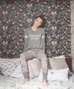 T shirt Manches Longues Namastay in Bed College girl sleep Skiny Grey stone melange